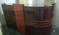 Bàn quầy lễ tân  gỗ  sơn