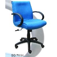 Ghế lưng trung SG711